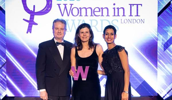 Niki Trigoni receiving her award as CTO of the year at Women in IT Awards 2020